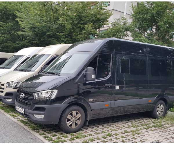 mini bus rent